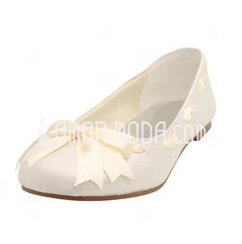 Frauen Satiniert Flascher Absatz Geschlossene Zehe Flache Schuhe mit Flakem Satin Schnürsenkel (047005458)
