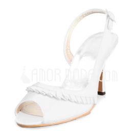 Vrouwen Satijn Stiletto Heel Peep Toe Sandalen met Buckle Ruches (047011048)