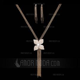 Flower Shaped Alloy Rhinestones Girls' Jewelry Sets (137055173)
