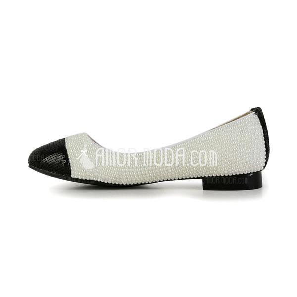 Lackleder Flascher Absatz Flache Schuhe Geschlossene Zehe mit Nachahmungen von Perlen Schuhe (085027360)