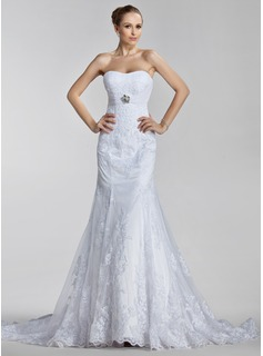 Trumpet/Mermaid Sweetheart Court Train Tulle Wedding Dress With Ruffle Appliques Lace Crystal Brooch (002000637)