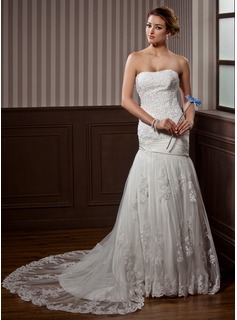 Trumpet/Mermaid Sweetheart Chapel Train Satin Tulle Wedding Dress With Ruffle Lace Beading (002012915)