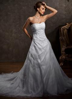 A-Line/Princess Sweetheart Chapel Train Organza Satin Wedding Dress With Lace Beading (002004509)