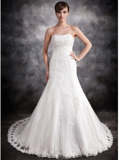 Trumpet/Mermaid Sweetheart Chapel Train Organza Satin Wedding Dress With Lace Beading (002016902)