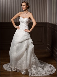 A-Line/Princess Sweetheart Chapel Train Organza Satin Wedding Dress With Lace Beading (002000146)