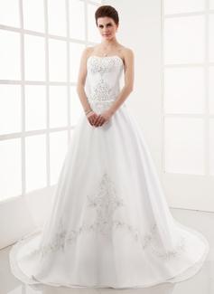Forme Princesse Bustier en coeur Traîne chappelle Organza Satiné Robe de mariée avec Broderie Emperler (002000387)