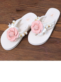 Women's Cloth Flat Heel Flip-Flops Platform Beach Wedding Shoes With Imitation Pearl Satin Flower (047121828)