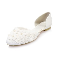 Women's Satin Flat Heel Closed Toe Flats With Imitation Pearl Flower (047040610)