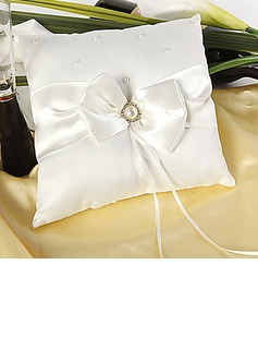 Ring Pillow in Satin With Faux Pearl (103018253)