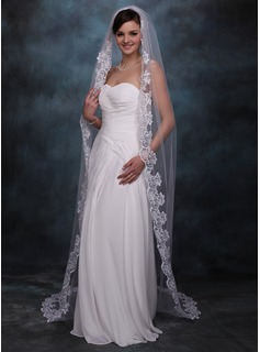 One-tier Chapel Bridal Veils With Lace Applique Edge (006002245)