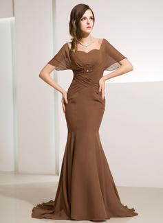 Trompete/Meerjungfrau-Linie Schulterfrei Sweep/Pinsel zug Chiffon Kleid für die Brautmutter mit Rüschen Perlen verziert (008014212)