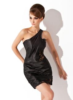 Jacka One-Shoulder Kort/Mini Charmeuse Cocktailklänning med Rufsar Spetsar (016008859)