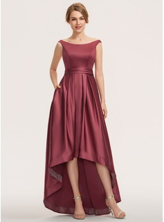 A-formet Off-the-Shoulder Asymmetrisk Satin Brudepikekjole (007190689)