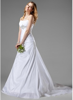 A-Line/Princess Sweetheart Chapel Train Taffeta Wedding Dress With Ruffle Beading (002001186)