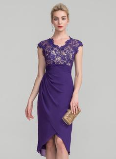 Etui-Linie V-Ausschnitt Asymmetrisch Chiffon Spitze Kleid für die Brautmutter mit Rüschen (008114254)