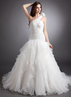 Forme Marquise Encolure asymétrique Traîne chappelle Organza Robe de mariée avec Fleur(s) Robe à volants Plissée (002000622)