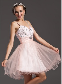 A-Line/Princess Sweetheart Knee-Length Tulle Homecoming Dress With Ruffle Beading (022010539)