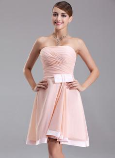 Forme Princesse Sans bretelle Longueur genou Mousseline Robe de soirée étudiante avec Plissé À ruban(s) (022009504)