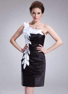 Etui-Linie One-Shoulder-Träger Knielang Charmeuse Cocktailkleid mit Rüschen Schleifenbänder/Stoffgürtel Blumen (016008869)