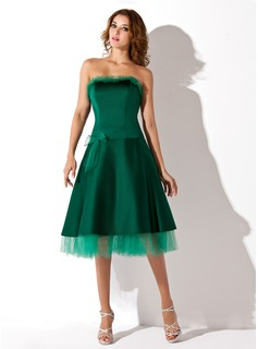A-Line/Princess Strapless Knee-Length Satin Homecoming Dress (022021009)