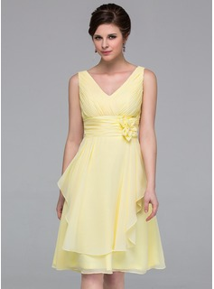 A-Line/Princess V-neck Knee-Length Chiffon Bridesmaid Dress With Flower(s) Cascading Ruffles (007037211)