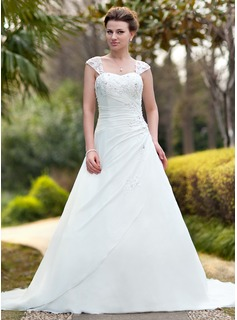 A-Line/Princess Sweetheart Chapel Train Chiffon Wedding Dress With Ruffle Lace Beading (002011638)