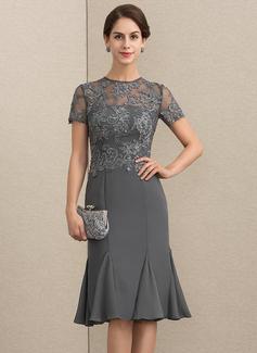 Etui-Linie U-Ausschnitt Knielang Chiffon Spitze Kleid für die Brautmutter mit Perlstickerei Pailletten (008152133)