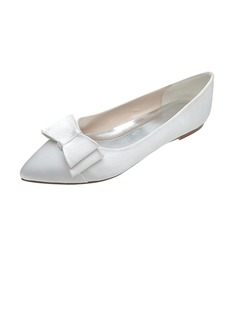 Women's Satin Flat Heel Closed Toe Flats With Bowknot (047053916)
