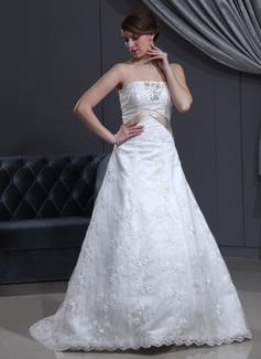 Forme Princesse Sans bretelle Traîne courte Satiné Dentelle Robe de mariée avec Ceintures Emperler À ruban(s) (002000500)