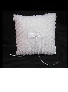 Romantic Rose Ring Pillow With Bow/Petals (103018453)