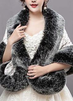 Faux Fur Wedding Wrap (013187122)