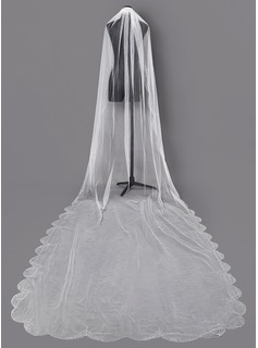 One-tier Beaded Edge Chapel Bridal Veils With Sequin (006203745)