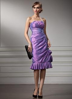 Sheath/Column Sweetheart Knee-Length Taffeta Cocktail Dress With Ruffle (016021237)