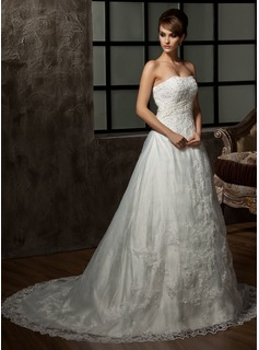 A-Line/Princess Sweetheart Chapel Train Satin Tulle Wedding Dress With Lace Beading (002000298)