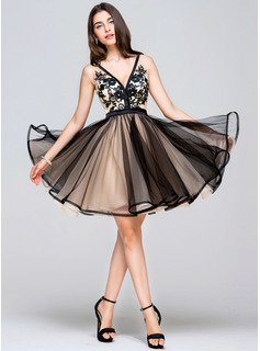 A-Line/Princess V-neck Short/Mini Tulle Prom Dresses With Lace (018113178)