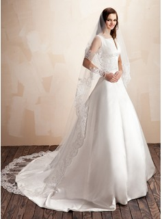 One-tier Lace Applique Edge Cathedral Bridal Veils With Applique (006022639)