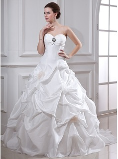 Ball-Gown Sweetheart Chapel Train Taffeta Wedding Dress With Ruffle Beadwork Flower(s) (002001719)