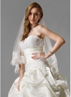 One-tier Waltz Bridal Veils With Lace Applique Edge (006005541)