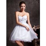 A-linje Sweetheart Kort/Mini Tyl Homecoming Kjole med Perlebroderi Applikationer Lace (022020906)
