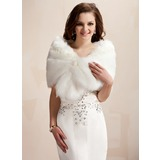 Faux Fur Wedding Wrap (013020423)