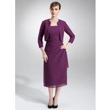 Etui-Linie Rechteckiger Ausschnitt Wadenlang Chiffon Kleid für die Brautmutter mit Perlen verziert Gestufte Rüschen (008006001)