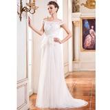 A-linjeformat Off-shoulder Ringning Court släp Tyll Bröllopsklänning med Pärlbrodering Blomma (or) Paljetter (002050393)