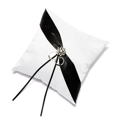 Shimmering Twilight Ring Pillow (103018290)