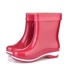 Frauen PVC Niederiger Absatz Stiefel Stiefel-Wadenlang Regenstiefel mit Schnalle Schuhe (088127031)