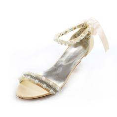Frauen Satin Niederiger Absatz Peep-Toe Sandalen mit Nachahmungen von Perlen (047079930)