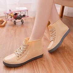 Frauen PVC Flascher Absatz Stiefel Stiefel-Wadenlang Regenstiefel mit Zuschnüren Schuhe (088127036)
