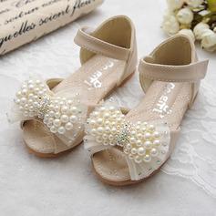 Mädchens Peep Toe Leder Flache Ferse Sandalen Flache Schuhe Blumenmädchen Schuhe mit Bowknot Nachahmungen von Perlen Klettverschluss (207111959)