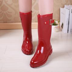 Frauen PVC Niederiger Absatz Stiefel Kniehocher Stiefel Regenstiefel mit Niete Schnalle Schuhe (088127037)