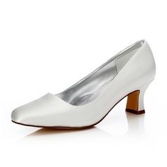 Frauen Satin Stämmiger Absatz Geschlossene Zehe Absatzschuhe Färbbare Schuhe (047088640)