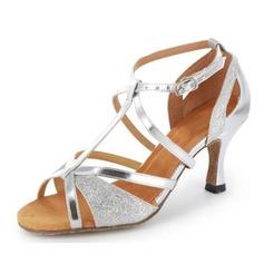 Kvinnor Glittrande Glitter Lackskinn Klackar Sandaler Latin med T-Rem Dansskor (053020378)